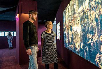 Blick in die Ausstellung Out of Office. Museum der Arbeit. Foto Daniel Nide